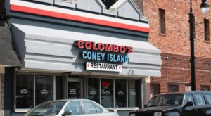 Grab Some Napkins, The Messy (But Amazing) Coney Dogs At Colombo's In Detroit Are A Must-Try