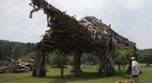 Vermont's Vermontasaurus Sculpture Might Just Be The Most Bizarre Piece Of Art You've Ever Seen