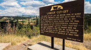 You Can Still Visit Landmarks From The Oregon Trail Right Here In Wyoming
