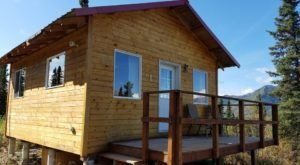 Take In The Jaw Dropping Alaskan Views From This Cabin In The Largest National Park In America
