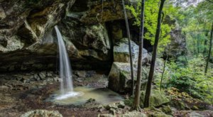 This Easy, Under-A-Mile Trail Leads To Pam's Grotto, One Of Arkansas' Most Underrated Waterfalls