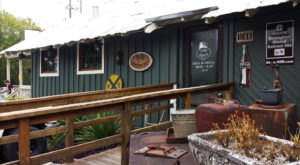 The Depot Deli & Grill In Alabama Offers Great Outdoor Dining That's Perfect For Summer