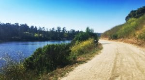 The Dreamy, Easy Walk Around Sulphur Creek Reservoir Loop In Southern California Is A Refreshing Hike On A Summer's Day