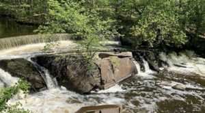 This Easy Trail Leads To Hunt's Mill, One Of Rhode Island's Most Underrated Waterfalls