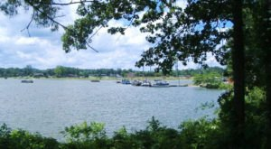 Alabama's Lakeside Park Is A Great Spot For A Family Day Trip This Summer