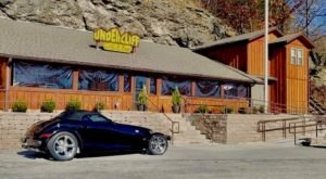 Undercliff Grill & Bar Serves Some Of The Tastiest Burgers In Missouri