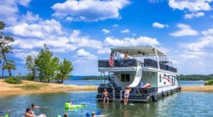 Get Away From It All With A Stay In These Incredible Arkansas Houseboats