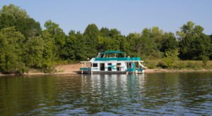 Get Away From It All With A Stay In These Incredible Wisconsin Houseboats