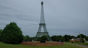 Tennessee's Own Eiffel Tower Is A Quintessential Roadside Attraction