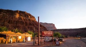Get A Million Miles Away From It All At The Peaceful And Remote Cliff Dwellers Lodge In Arizona