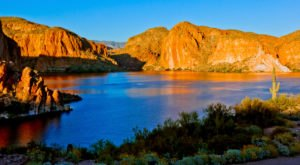 The Small Canyon Lake In Arizona Is A Hidden Gem Worth Seeking Out