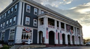 Stay Overnight In A 100-Year-Old Hotel That's Said To Be Haunted At Herbert Grand Hotel In Maine