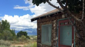 Stay In This Cozy Little Secluded Cabin In New Mexico For Less Than $80 Per Night