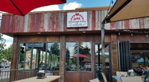 Enjoy Great Pizza, Beer, And Atmosphere At The Mountain Pizza And Taproom In Colorado