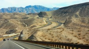 U.S. Highway 93 Is 200 Miles Of White-Knuckle Driving In Arizona That's Not For The Faint Of Heart