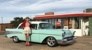 Eat A Fresh, Delicious Lunch At The Old-School, Itty Bitty RB Drive-In Diner In Kansas