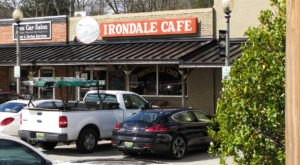 Alabamians Will Fall Head Over Heels For The Iconic Fried Chicken At Irondale Cafe