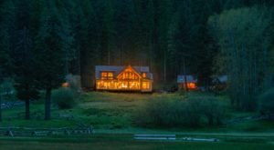 You Will Never Run Out Of Things To See And Do At The Minam River Lodge In Oregon