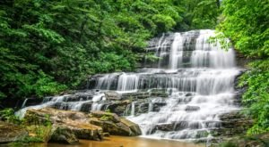 This Easy, 0.3-Mile Trail Leads To Pearson's Falls, One Of North Carolina's Most Underrated Waterfalls