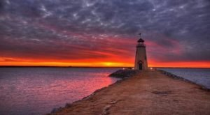 These 10 Photographs Of The Iconic Lighthouse At Lake Hefner Will Take Your Breath Away