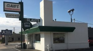 Sink Your Teeth Into Juicy Goodness At The Iconic Burger Stand In Oklahoma, Claud's Hamburgers