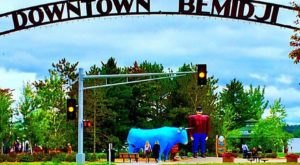 Minnesota's Paul Bunyan And Babe Statues Are A Quintessential Roadside Attraction