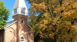 This Old Church In Iowa Is Now One Of The Most Beautiful Retreats In The World