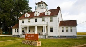Plan A Trip To Grand Marais, One Of Michigan's Most Charming Historic Towns