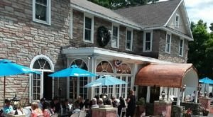 For Massive Pizza With Old World Charm, Head To Bear Mountain Pizza And Cafe In New York