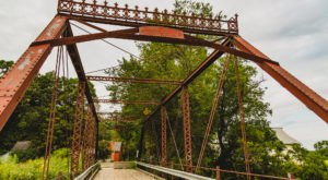 The Minnesota Ghost Town That's Perfect For An Autumn Day Trip