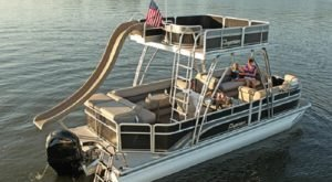 Rent Your Own Two-Story Boat In Missouri For An Amazing Time On The Water