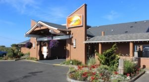 Visit Georgie's Beachside Grill On The Oregon Coast For Delicious Dining With Ocean Views