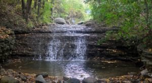 This Easy, One-Mile Trail Leads To Blackhawk Waterfall, One Of Illinois' Most Underrated Waterfalls