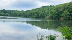 Take A 1-Mile Stroll Around Shimmering Waters On The Hanover Pond Trail In Connecticut
