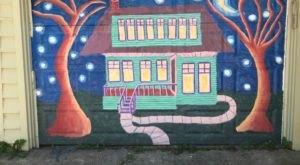 Teresa Parod's Alley Gallery In Illinois Turns Garage Doors Into Pieces Of Art
