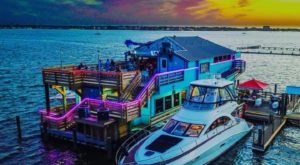 Barge 295 Is A Floating Seafood Bar And Grill In Texas You Have To See To Believe