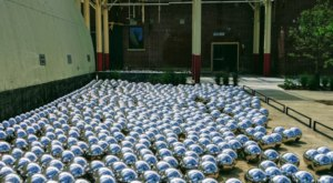 This Bizarre 900 Mirror Sphere Garden Is A Mind Boggling Exhibit In Arkansas