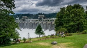 The Unique Day Trip To Bonneville Lock and Dam In Oregon Is A Must-Do