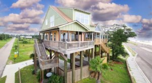 Enjoy A Peaceful Getaway And Unbeatable Gulf Views At The Nest, A Waterfont Cottage In Mississippi