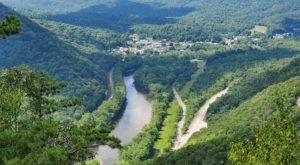 Thousand Steps Trail Is A Challenging Hike In Pennsylvania That Will Make Your Stomach Drop