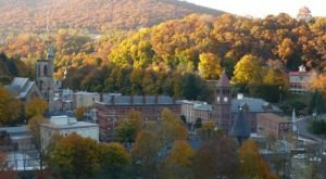 Jim Thorpe Is A Small Pennsylvania Town That Looks Like A Hallmark Movie During The Fall