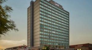 The Graduate Hotel In Nebraska Is A Uniquely Cornhusker State-Themed Stay