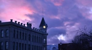 The Stories Of The Haunted Geiser Grand In Baker City, Oregon Are Bone-Chilling