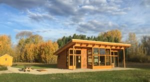 Experience The Fall Colors Like Never Before With A Stay At This Cabin Guesthouse In Idaho