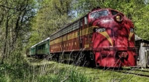The Haunted Train Ride Through Missouri That Will Terrify You In The Best Way Possible
