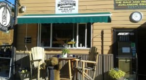 Enjoy A Classic Small-Town Breakfast At Bearclaw Bakery In Montana