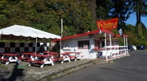 The Roadside Hamburger Hut In Washington That Shouldn't Be Passed Up