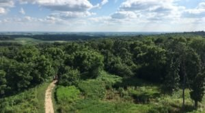 Pilot Knob Loop Is A Challenging Hike In Iowa That Will Make Your Stomach Drop