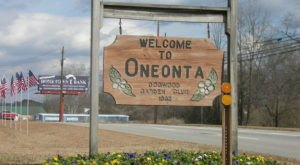 Oneonta Is A Small Mountain Town In Alabama That Belongs On Everyone's Fall Bucket List