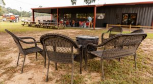 Fill Up On Savory BBQ In A Charmingly Rustic Setting At Hog Heaven In Mississippi